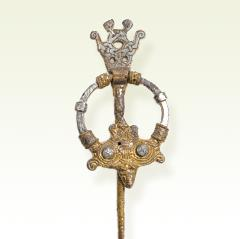 Ring-Headed Brooch
